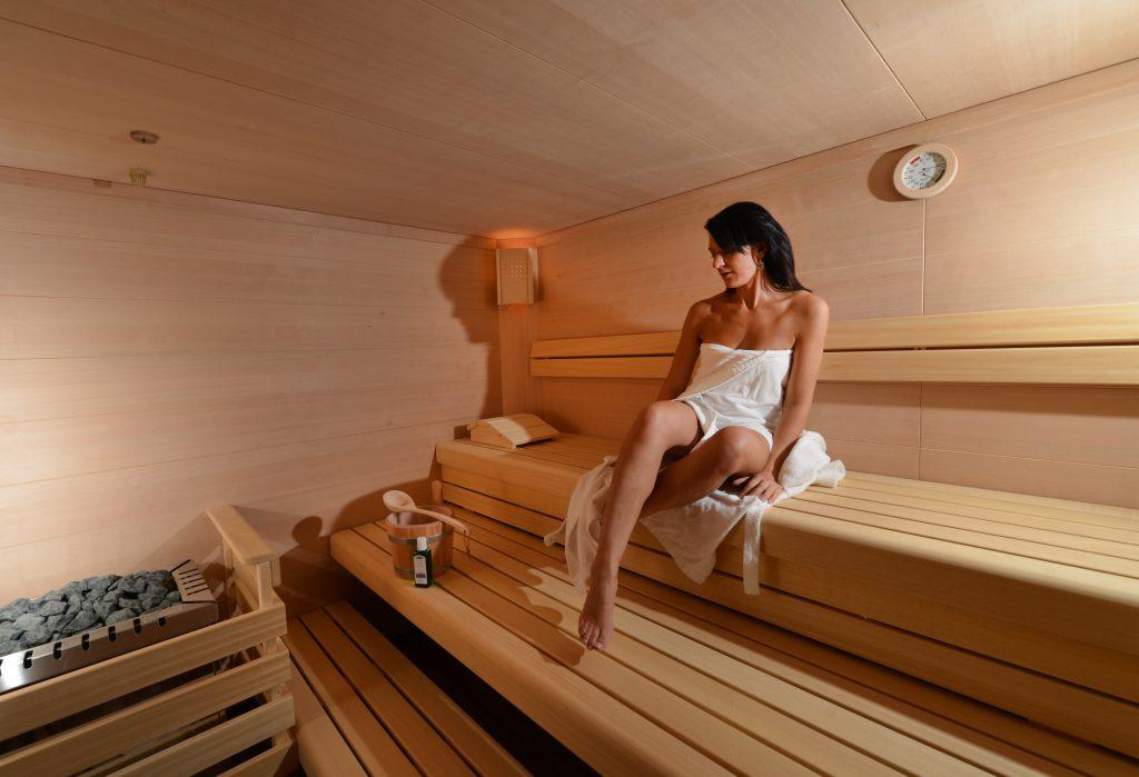sauna bereich arthotel kiebitzberg. Black Bedroom Furniture Sets. Home Design Ideas
